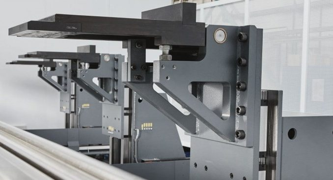 obrabiarka metali CNC