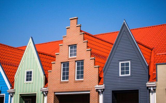 Blachy na dach - elementy po gięciu stali na prasach krawędziowych