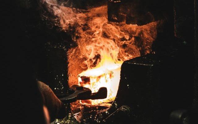 Gięcie i obróbka stali - hartowanie stali